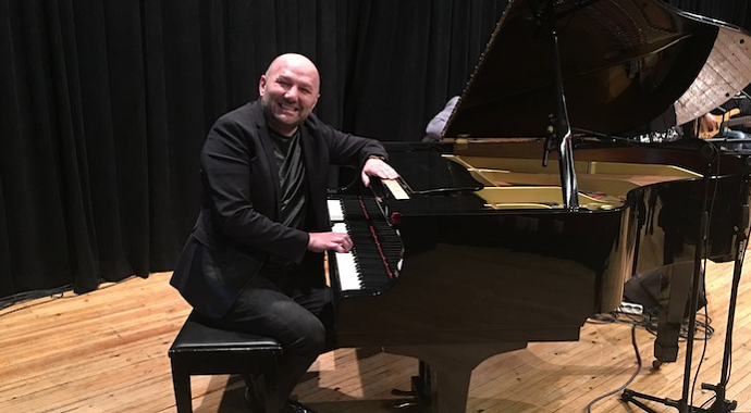 Müzisyen Ahmet Özden domuz gribine yakalandı