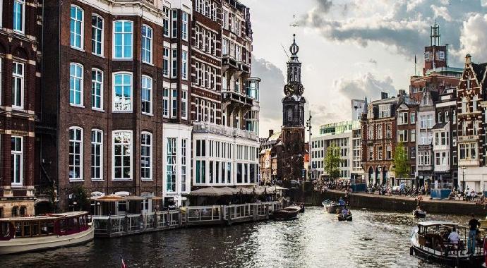 Amsterdam'da turistlere yeni vergi! Konakladıkları her gece için 3 Euro