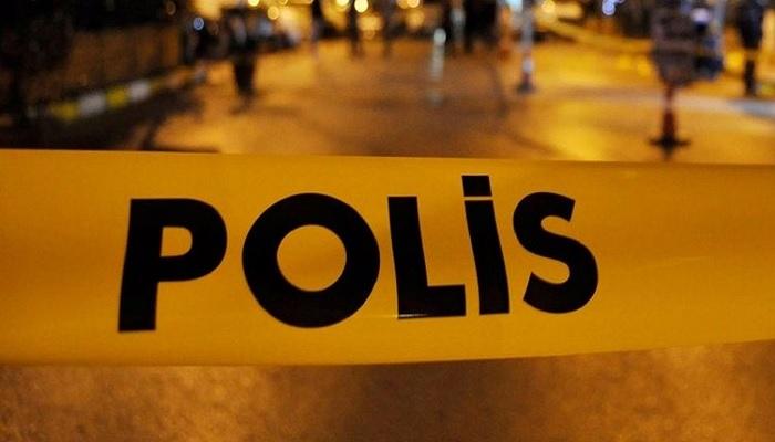Bursa'da Polisi şehit edip 2 kardeşi öldüren zanlının evini taşladılar
