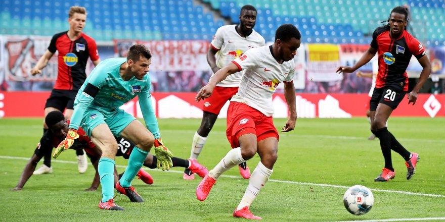 Bundesliga'da Leipzig - Hertha Berlin maç sonucu 2-2