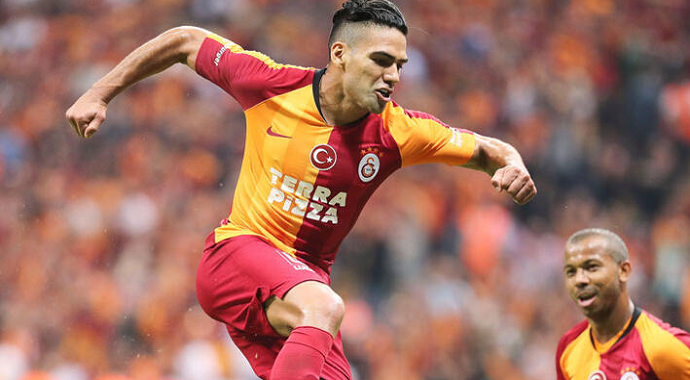 Galatasaray'da Radamel Falcao Sevinci