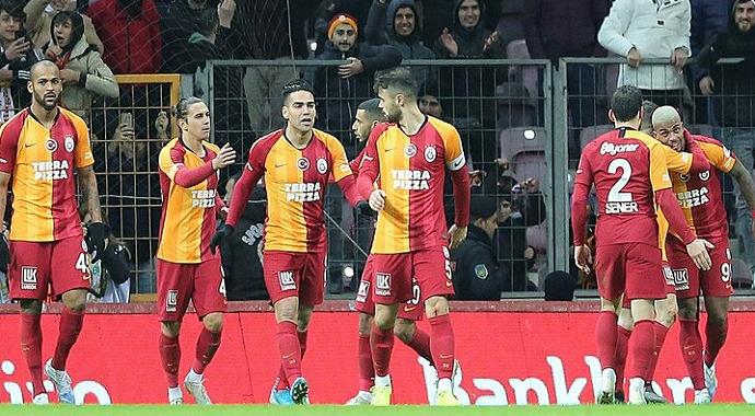 Galatasaray Tartışmalı Kararla Çeyrek Finalde