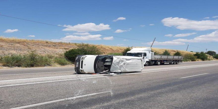 Adıyaman'da Minibüs takla attı: 1 yaralı
