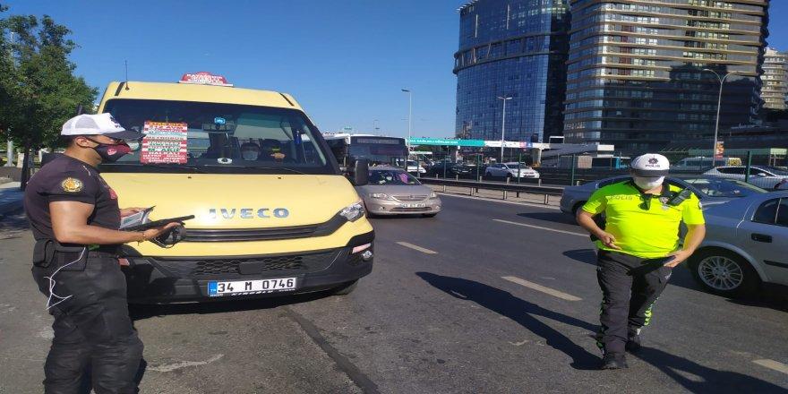 İstanbul'da Minibüsler tek tek denetlendi