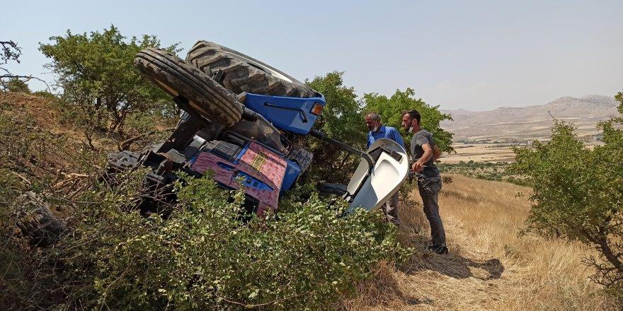 Batman Gercüş'te traktör devrildi: 1'i ağır 2 yaralı