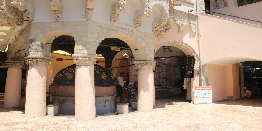 İzmir Konak'ta tarihi caminin musluklarının çalındı