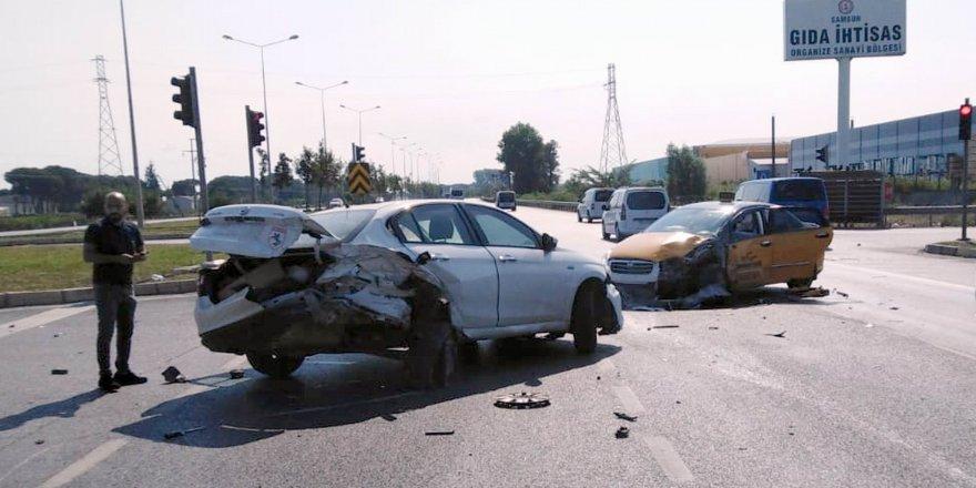 Samsun tekkeköy'de trafik kazası: 3 yaralı