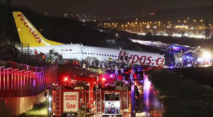 Bakan Koca: Uçak kazasında 3 kişi hayatını kaybetti