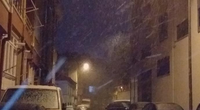 Tekirdağ'da yoğun kar yağışı etkisini gösterdi