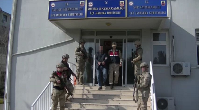 Terör örgütüne yardım yataklık eden muhtar tutuklandı