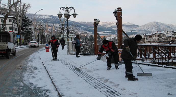 Amasya'da kar küreme çalışmalar
