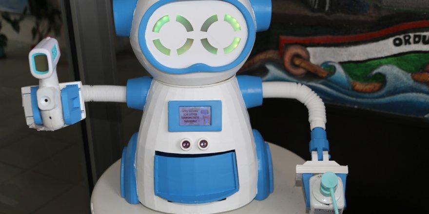 Ateş Ölçen ve Dezenfektan Sıkan Robot Geliştirildi!