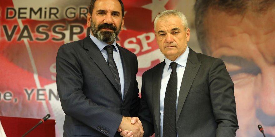 Sivasspor, Rıza Çalımbay ile yola bereber devam etme kararı