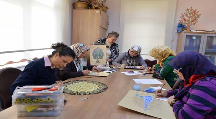 Minyatür ve Katı süsleme sanatları Kocaeli'de yaşatılıyor