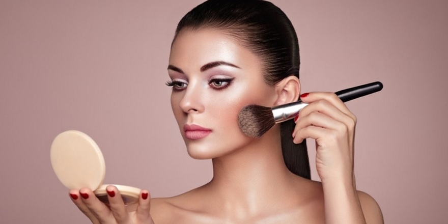 Doğal Makyaj Nasıl Yapılır? Makyaj Nasıl Temizlenir? Doğru Makyaj Yapmanın Püf Noktaları