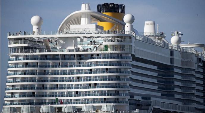 Güney Kore ve İtalya da karantina gemisinden yolcularını tahliye ediyor