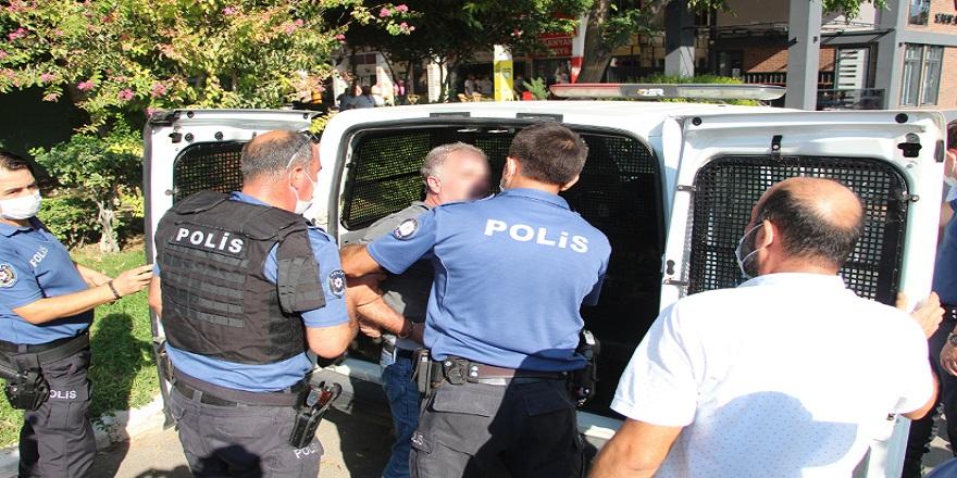 Antalya'da evli kadını silahla tehdit eden şahıs adli kontrol şartı ile serbest bırakıldı