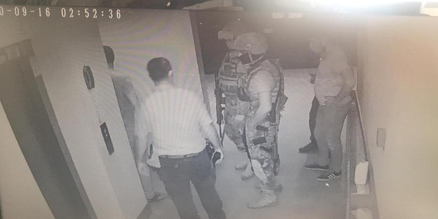 Adana'da sevgilisinin 9. kattan sarkıttığı kadının imdadına özel harekat yetişti