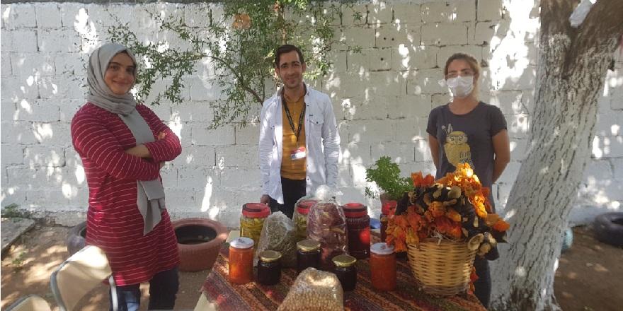 Çınar'lı kadınlar 'zerzevan bahçesi' sayesinde aile bütçelerine katkı sağlıyor!