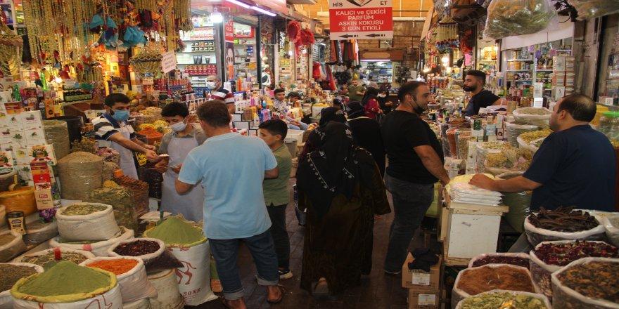 Şifa arayan vatandaşlar Attar Pazarı'na akın ediyor