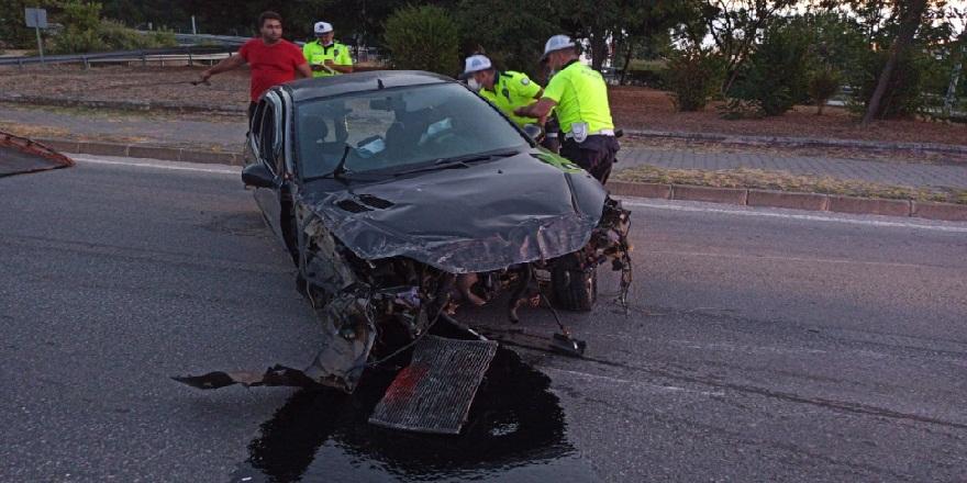 Samsun'da çaldıkları araç ile kaza geçiren şahıslardan biri hayatını kaybetti
