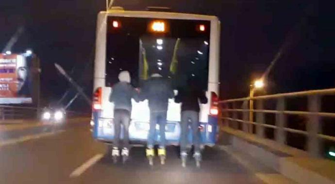 Ankara'da patenli gençlerden tehlikeli yolculuk