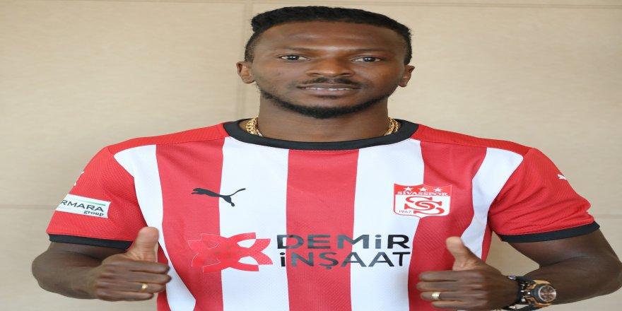 Sivasspor'un futbolcusu Olarenwaju Kayode'nin lisansı çıktı!