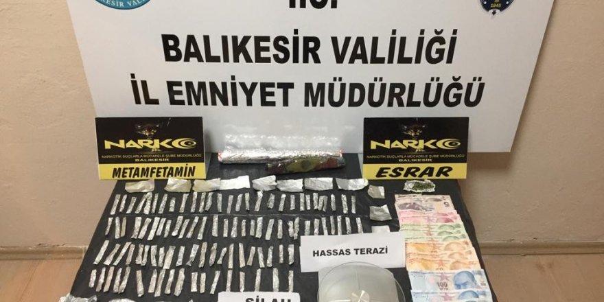 Balıkesir'de Uyuşturucu operasyonunda suikast silahı bulundu