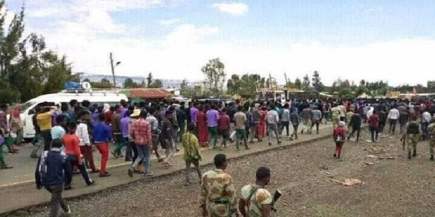 O ülkede silahlı saldırı! 15 kişi hayatını kaybetti