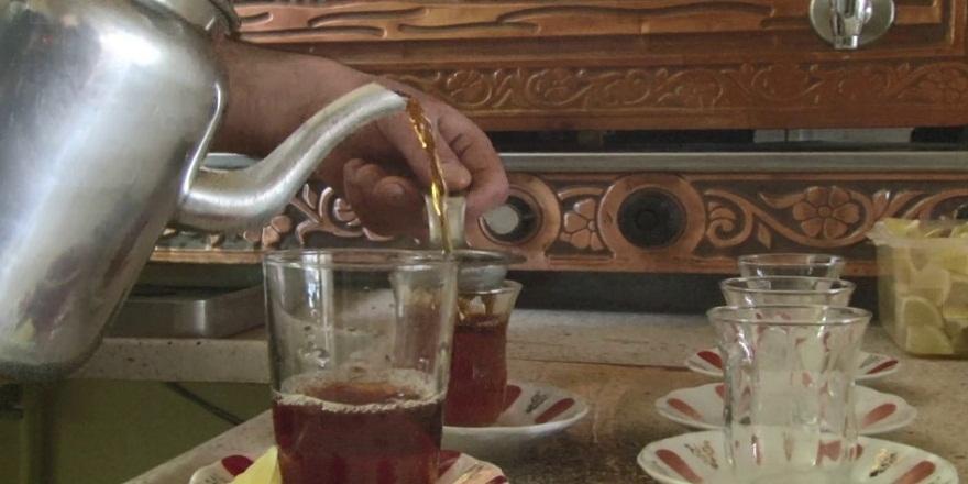 Erzurum'daki bu kahvehanenin çayları hem şifalı hem dualı!