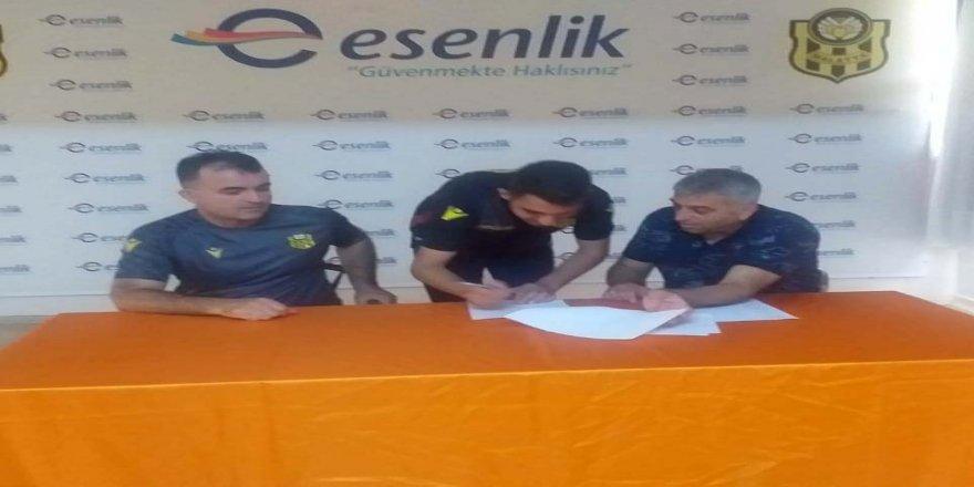 Altyapıdan 2 futbolcu ile Yeni Malatyaspor profesyonel sözleşme imzaladı!