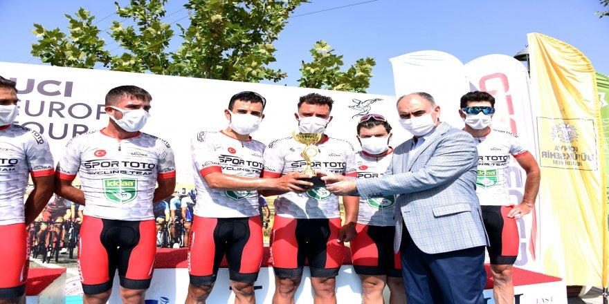 Selçuklu belediyelerinin desteğiyle düzenlenen Uluslararası Mevlana Bisiklet Turu tamamlandı.