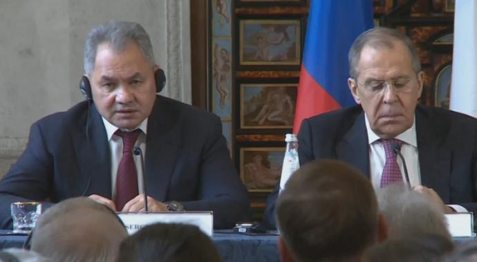 """Rusya Savunma Bakanı Şoygu: """"ABD, Suriye'deki petrol sahalarını yağmalıyor"""""""