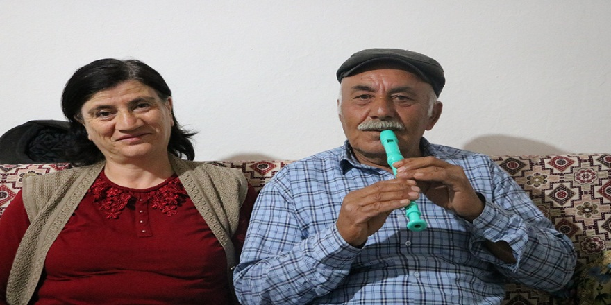 Sivas'lı Taşkın çifti birlikte çalıp söyledikleri türkülerle gönüllerde taht kuruyorlar!