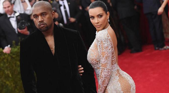 Kim Kardashian Pozlarıyla Sosyal Medyayı Salladı