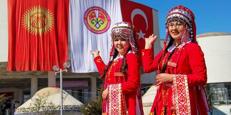 Kırgızistan, Çin vatandaşlarının vize başvurularını askıya aldı