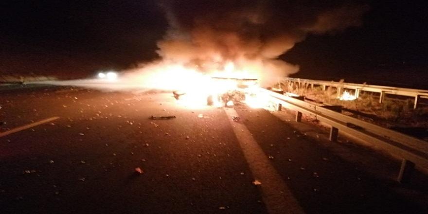 İstanbul-İzmir otoyolunda zincirleme trafik kazasında bir araç alev alev yandı