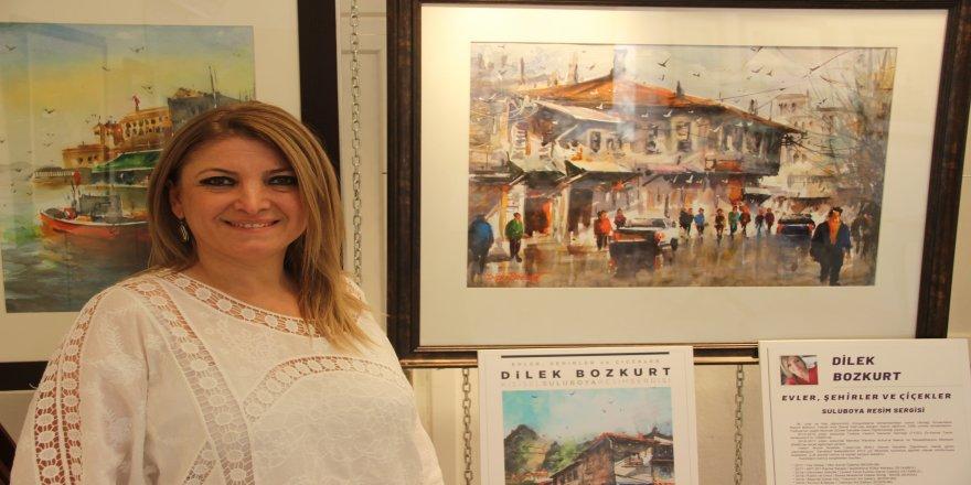 Öğretmen Dilek Bozkurt'un, yağlı boya tabloları büyük ilgi gördü