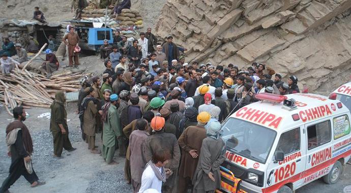Pakistan'da mermer madeni çöktü 10 ölü 7 yaralı