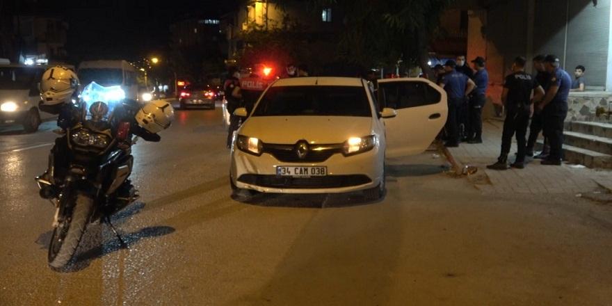 Hatay'da polisi görünce elindeki uyuşturucu hapları yutmaya çalışan şahıs yakalandı