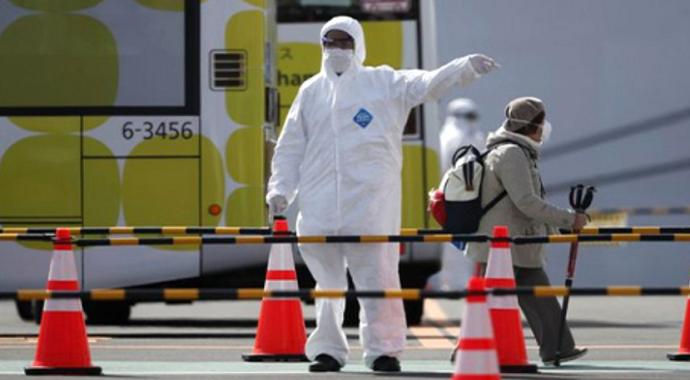 İran'ın 12 eyaletinde korona virüsü nedeniyle eğitime ara verildi