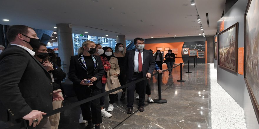 """""""Her Şehri Ünlülerle Geziyoruz"""" projesi kapsamında, Rotahane ekibi Panorama 1326 Bursa Fetih Müzesi'nde ağırlandı"""