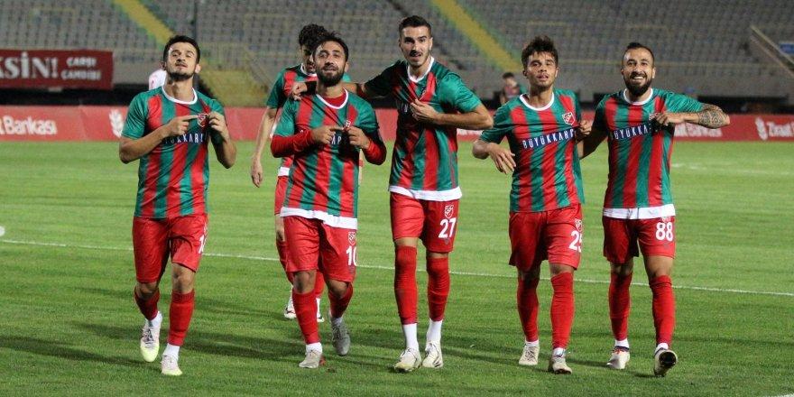 Karşıyaka, Türkiye Kupası'nda 3. Tur'a yükseldi