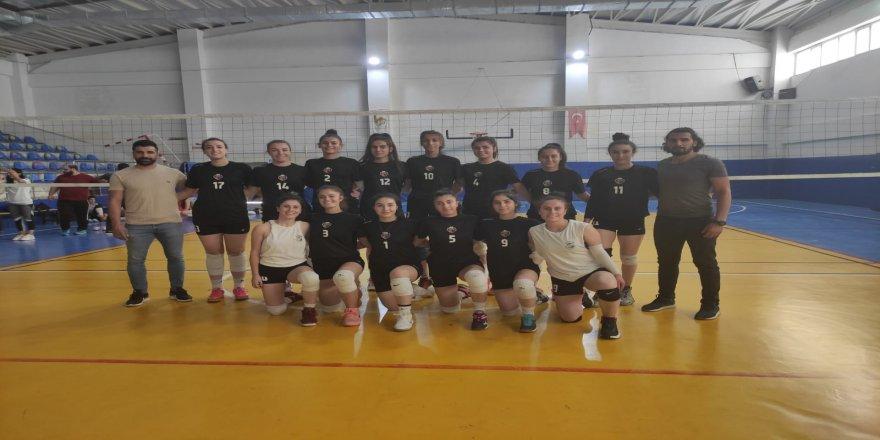 Sezon hazırlığı, Kadın Voleybol Takımında devam ediyor