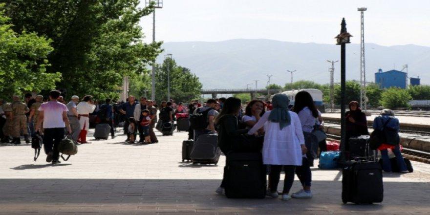 Yılın ikinci çeyreğinde yurt içinde ikamet eden 5 milyon 334 bin kişi seyahate çıktı