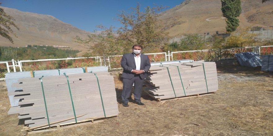 PKK'nın 14 çocuğu şehit ettiği, şehitliğin onarımı için Afyonkarahisar'dan 22 ton mermer gönderildi