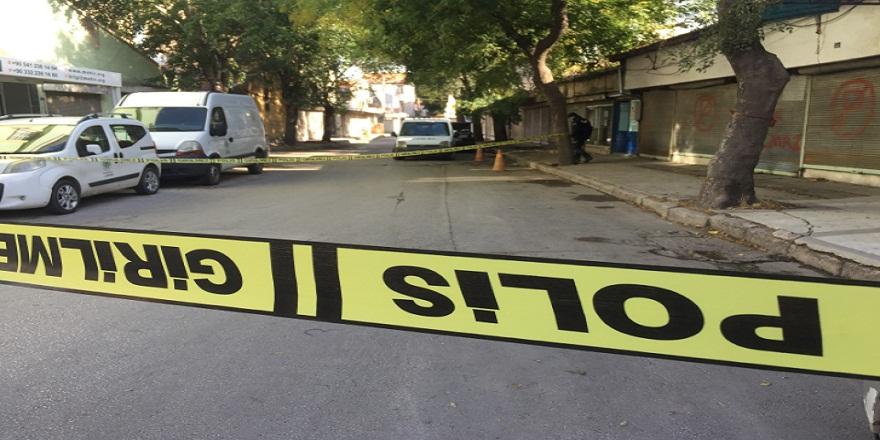 Konya'da sokak ortasında sırtından bıçaklanan genç hayatını kaybetti