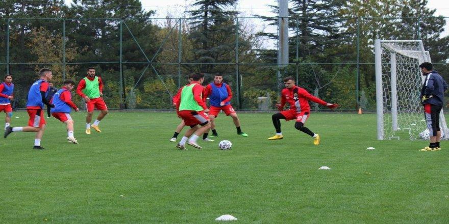 İstanbulspor maçı hazırlıkları EsEs'de ara vermeden sürüyor
