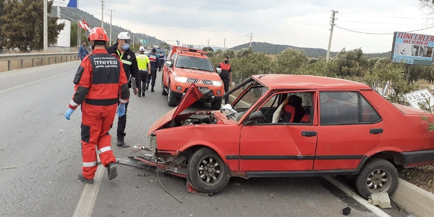 Milas- Bodrum karayolunda, direksiyon hakimiyetini otomobil takla attı: 2 yaralı