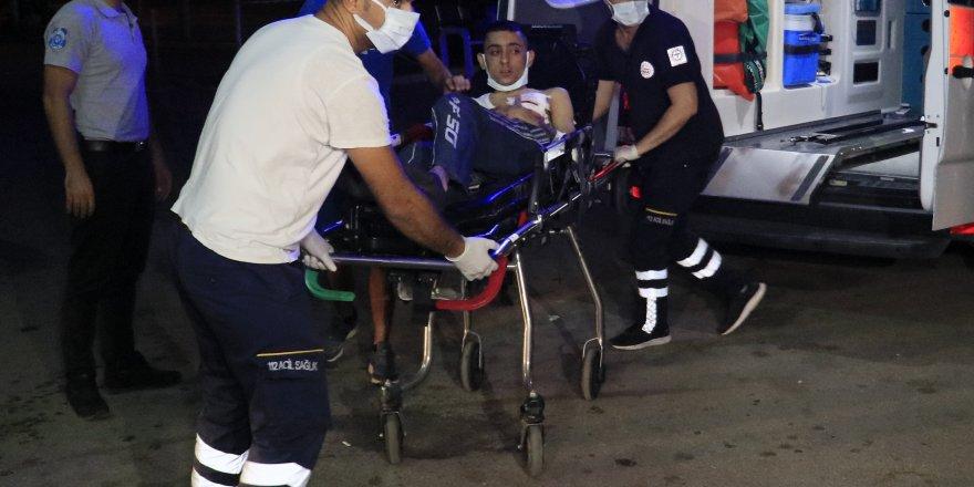 Adana'da Göğsünden bıçaklanan genç ağır yaralandı